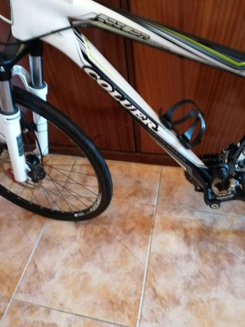 Bicicleta em carbono