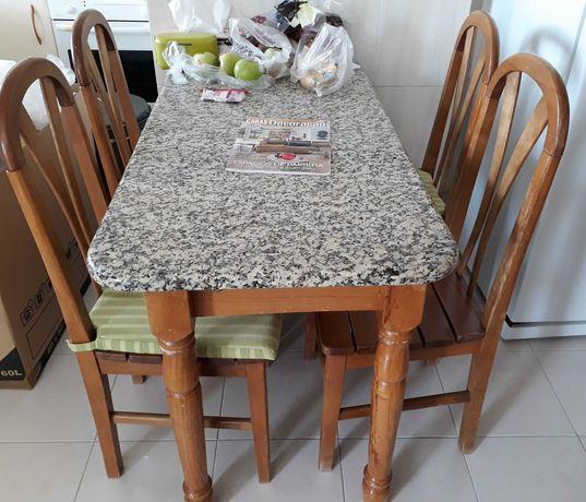 Graciosa Mesa de cozinha (com tampo de granito)e 4 cadeiras
