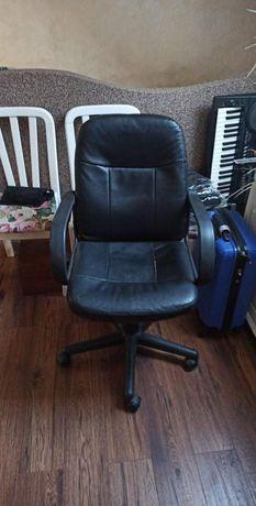 Skórzane krzesło biurowe