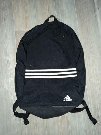 Używany, sprawny plecak adidas