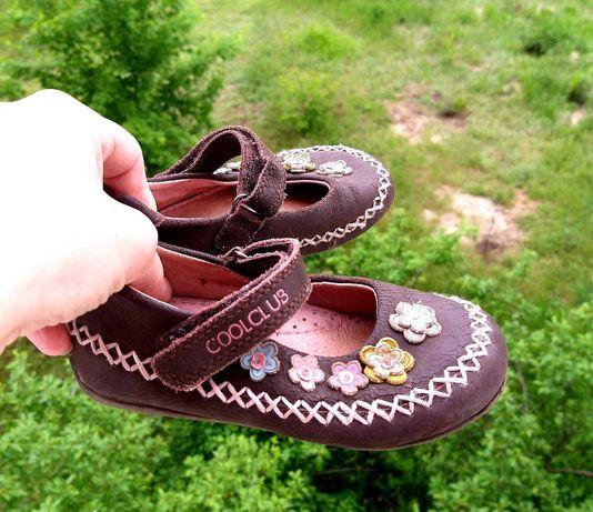 Обувь для девочки туфли,тапочки,босоножки,чешки  р.31,25 и др.