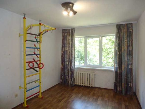 1-кімнатна кв-ра на 2 пов. біля СШ № 18 (п3)