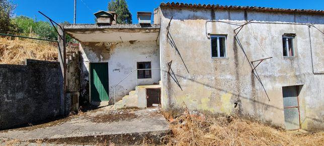 Casa para renovar perto de Arega