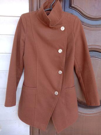 Продам весна-осень пальто