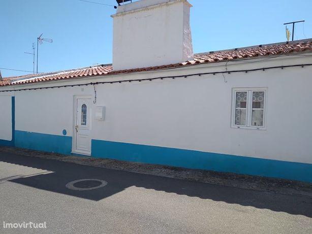Casa Típica Alentejana em Ervedal