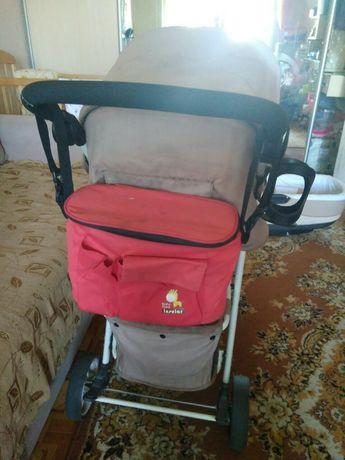 Детская прогулочная коляска Carrello Quattro с подстаканником и сумкой