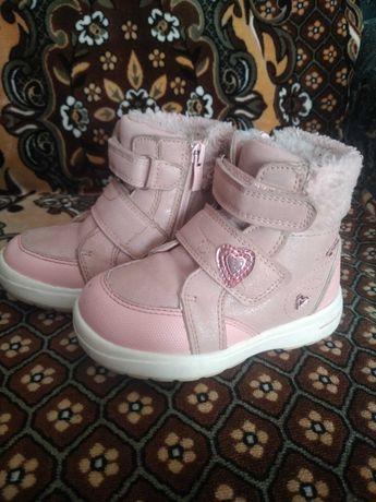 Продам зимние ботинки для девочки Clibee
