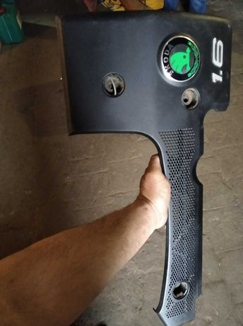 Крышка двигателя декоративная Skoda octavia tour 1.6