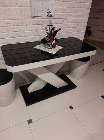 Stół rozkładany do jadalni lub salonu