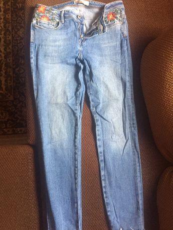 Модные джинсы Zara
