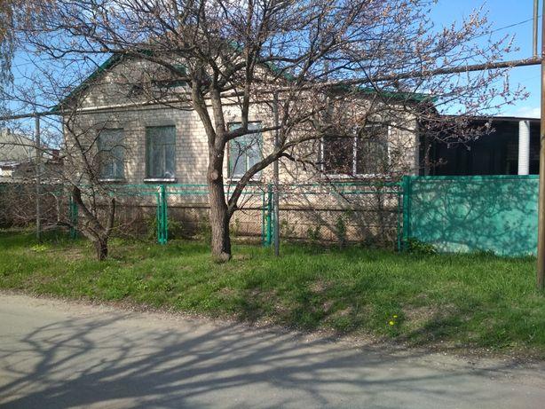 Продам добротный дом в пгт Беловодск от собственника