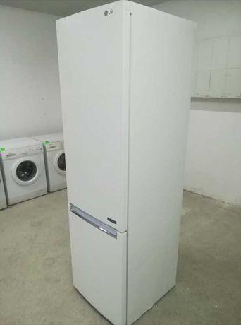 Холодильник Lg c Германии 2м сухая заморозка