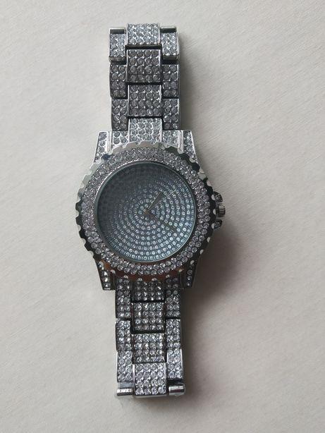 Часы на руку, новые.