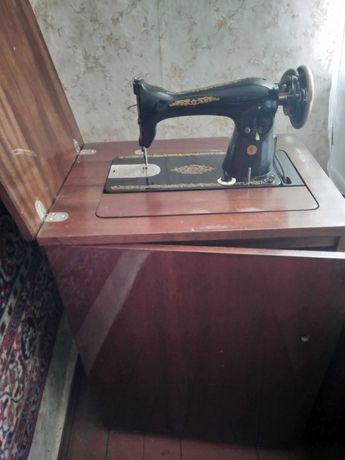 Машинка - тумба швейная ножная Подольская на запчасти