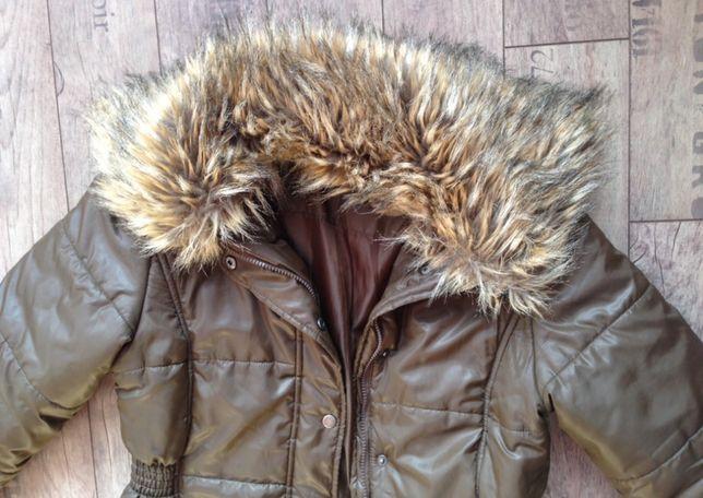 Płaszczyk kurtka oliwka khaka kołnierz imitacja jenota M zara