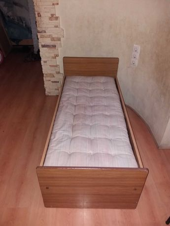 Детская кровать с матрацем на 2-7 лет! Из детского сада!60*140 см!!