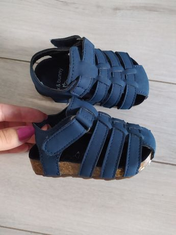 Sandałki, buciki letnie chłopięce granatowe
