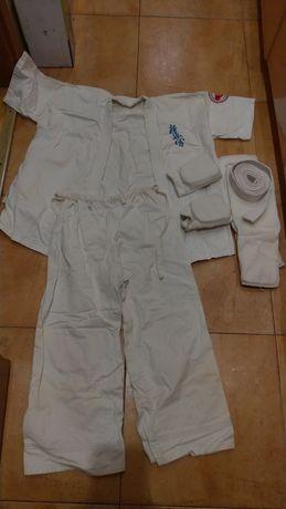 Комплект кимоно для каратэ с защитой