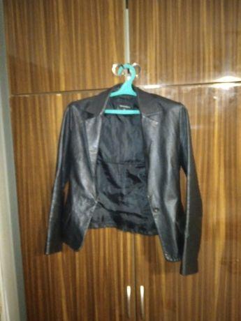 Кож. Куртка женщина