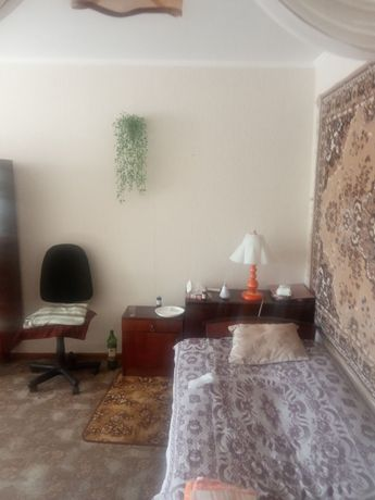Продам двухкомнатную квартиру в Алчевске