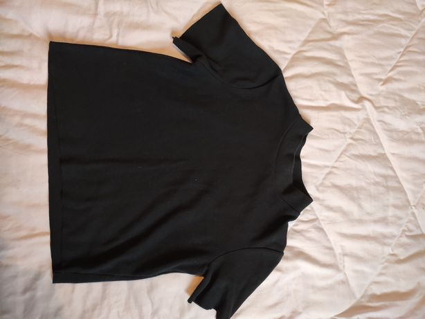 Теплая фирменная футболка