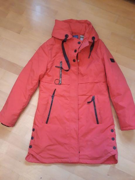 Модная демисезонная куртка для девочки 158см