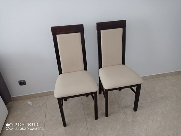 Krzesła pokojowe 4 szt komplet bardzo dobre