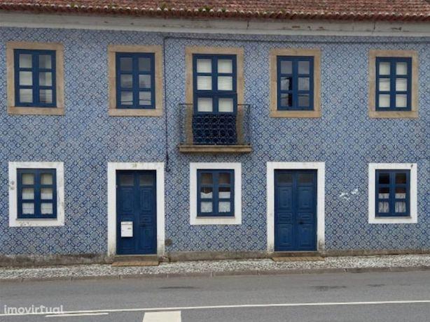 Moradia T4 situada em Albergaria-a-Velha com terreno de 1...