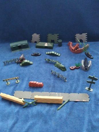 Іграшкова військова база.