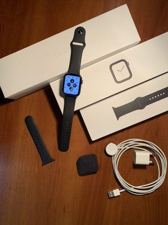 Apple Watch 4 44mm повний комплект