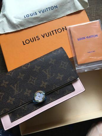 Сумка-клатч Louis Vuitton m67405