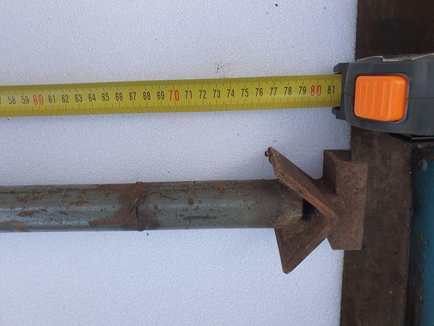 Wyprzedaż garażowa śruba rzymska dużą około 1 metr