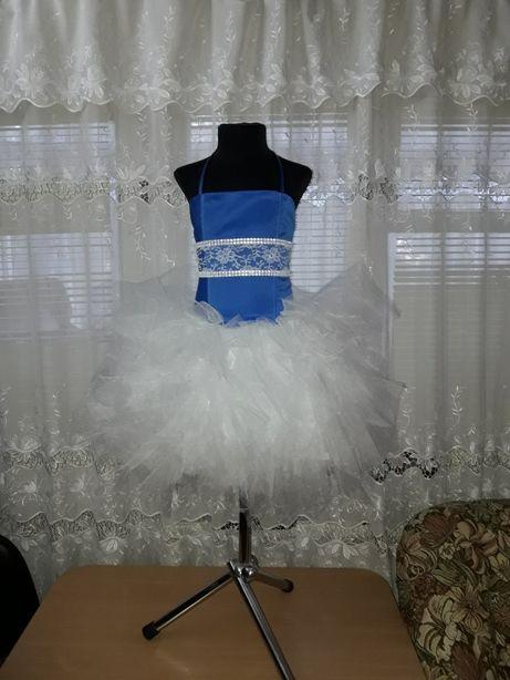 Пышное фатиновое платье на 5- 6 лет