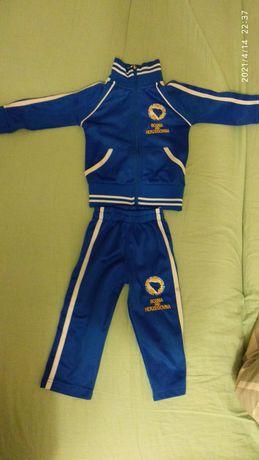 Спортивный костюм на мальчика 9-12 месяцев