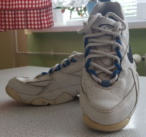 Damskie Nike stan bardzo dobry r7