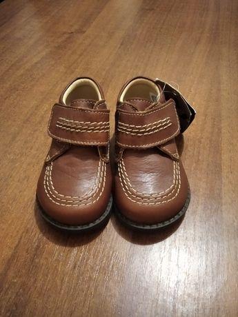 Кожаные демисезонные ботинки для детей