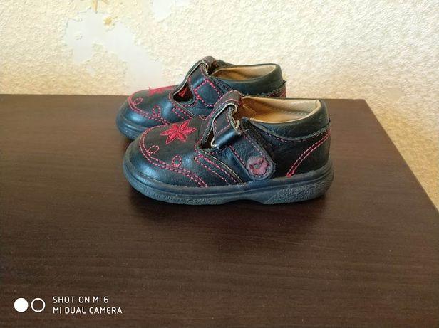 почти новые кожаные туфли Juniors 20 р, кожа