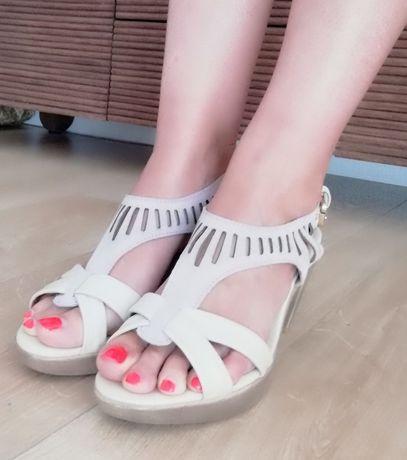 Sapatos salto beje 39