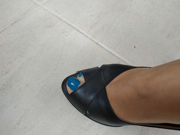 Sandália novas, todas em pele