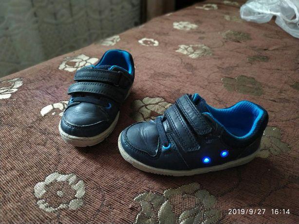 Кроссовки туфли clarks светящиеся
