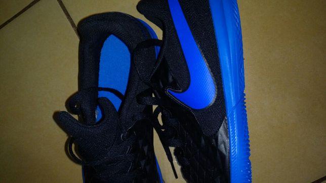Buty Nike halowe