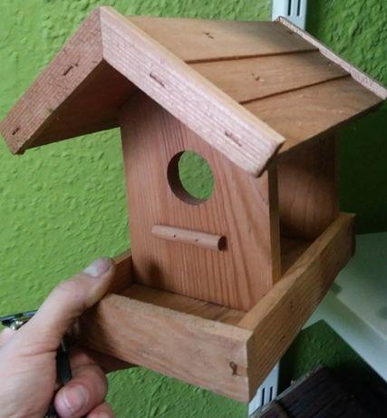 Karmniki dla ptakow- rozne z drewna