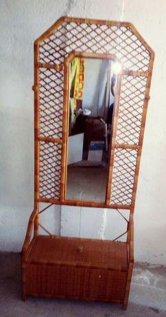 Vendo bengaleiro em verga com espelho