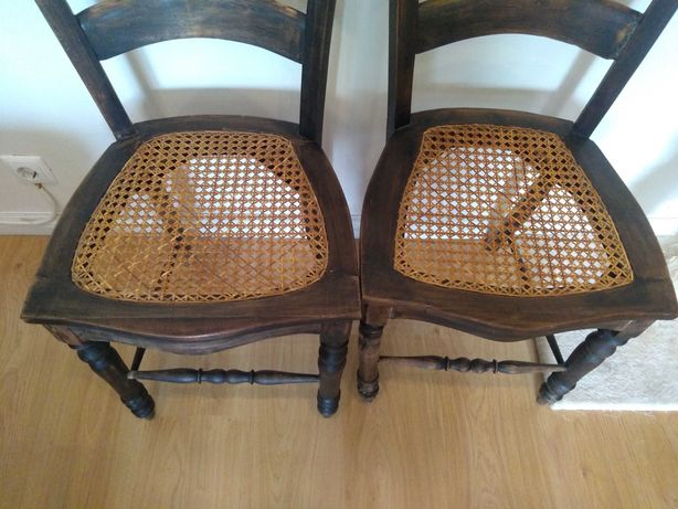 cadeiras antigas em carvalho e palhinha