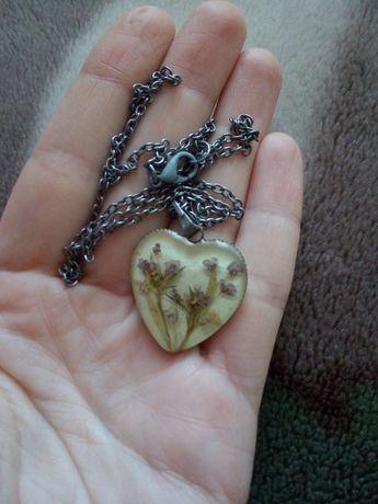 Цепочка с серцем хенд мейд гербарий