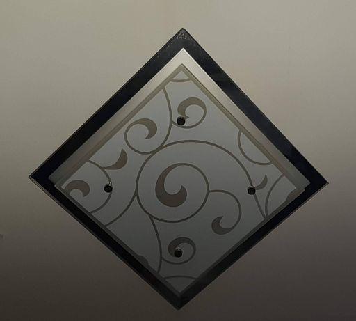 Kwadratowy plafon sufitowy