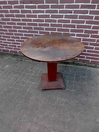 Okrągły stary stół
