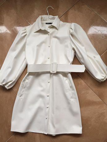 Плаття біле шкіряне