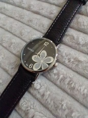 Damski zegarek czarny z kwiatem