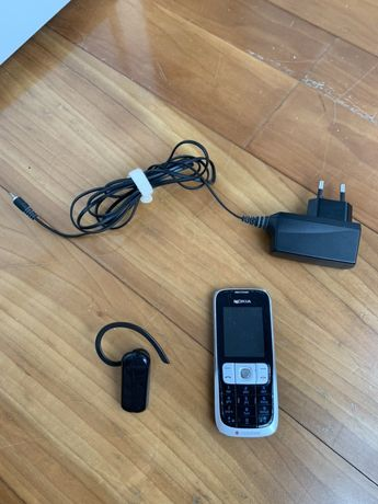 Nokia 2630 (com avaria) com bluetooth (tudo funciona)